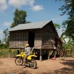 カンボジア バイクツアー