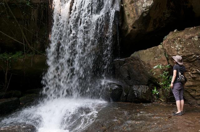 すぐ下にある滝。冷たい水でクールダウン。